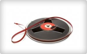 Máte mezi cívkami s 8mm filmy i magnetofonové pásky?